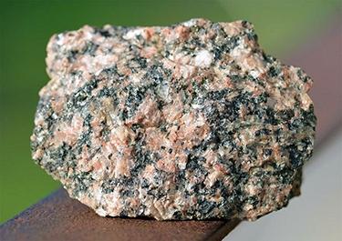 Гранітний камінь
