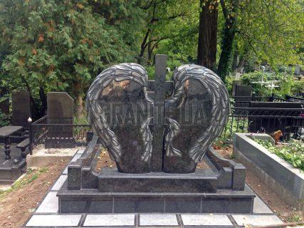Пам'ятники з серцем фото (17)