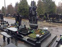 Столики і лавки на кладовищі фото (1)