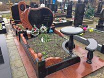 Столики і лавки на кладовищі фото (3)